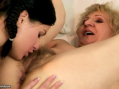 Betty's Mature Lover Teaches Her The Right Way Of Pussy Licking Porn Videos