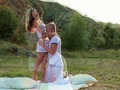 Outdoors   For An Incredibly Beautiful Babe Porn Videos