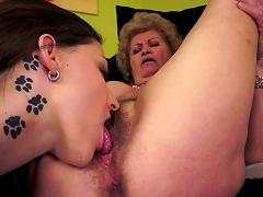 Mature Effie Fuck With Young Lesbians Lyen Parker Porn Videos