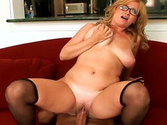 Mature Violet Fuck With A Young Dick Porn Videos